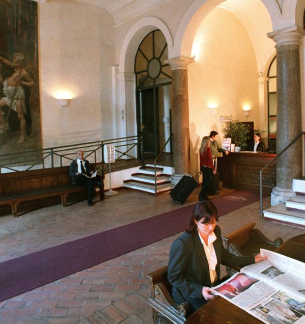 Domus Sessoriana , Roma - Istituti religiosi